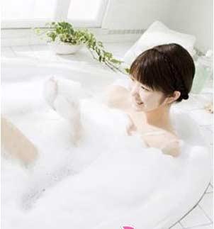 坐月子能洗澡吗?产后洗澡注意事项