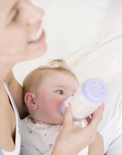 宝宝一天需要吃多少奶粉?