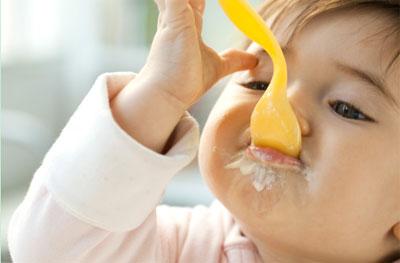 给宝宝添加辅食的8个常见误区