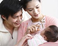 宝宝2个月亲子游戏