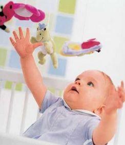 0-1岁宝宝的精细运动技能发展
