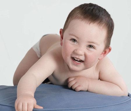 宝宝发烧好后老出汗是怎么回事