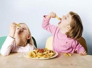 如何控制孩子吃零食?宝宝吃零食5准则