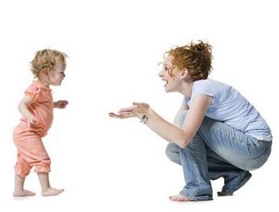 宝宝走路是早点好还是晚点好?