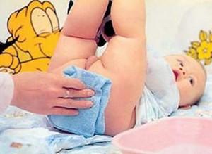 给宝宝用棉布尿片应注意什么?