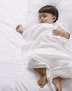 为什么宝宝总出汗?宝宝出汗护理方法