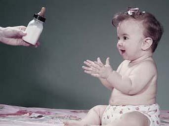 配方奶喂养抓住细节 宝宝也会很健康