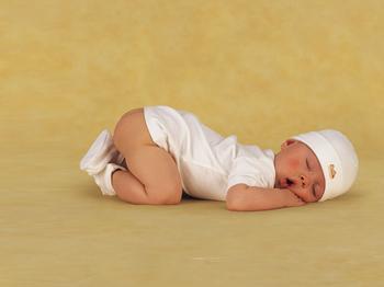 从宝宝刚刚出生,妈妈对宝宝最关心的除了吃饭就是