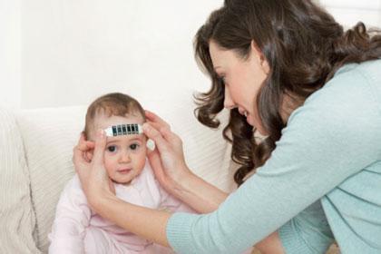 破解发烧难题:宝宝发烧后妈妈应该怎么做?
