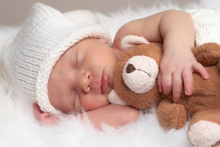 最不靠谱的10大新生儿护理方法