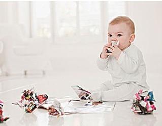 宝宝总是撕书怎么办?是否禁止他撕书?