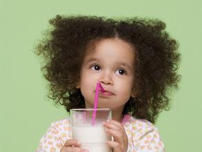 2岁宝宝睡前喝奶瓶才肯睡怎么办?