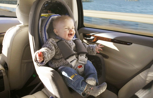 儿童安全乘车6个不准(宝宝坐车常见错误)