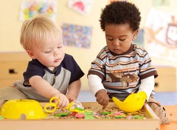 三岁的孩子很执着做同一件事怎么办