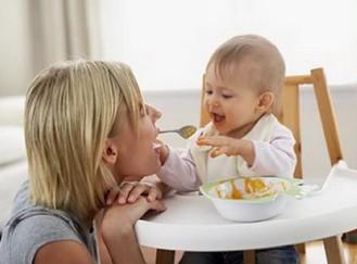 让宝宝爱上辅食的9个小方法