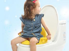 教宝宝学会上厕所的技巧