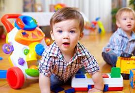 怎么教孩子学会分享玩具?