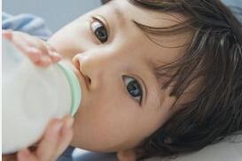 """妈妈生气时乳汁会变成""""毒汁""""吗?"""