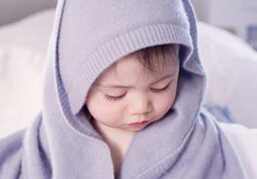 带宝宝在雾霾天出门应注意什么?