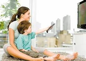 宝宝经常看电视的危害有哪些?妈妈们怎么办
