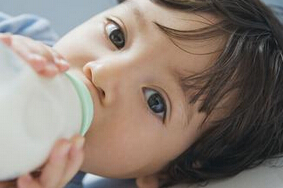 宝宝如何转奶?宝宝换奶的注意事项
