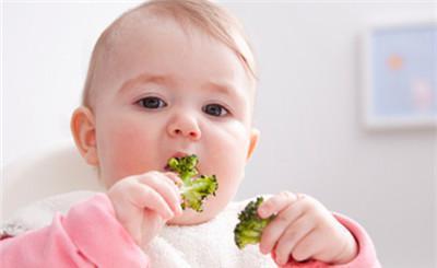 给宝宝吃绿叶蔬菜需要注意哪些方面?