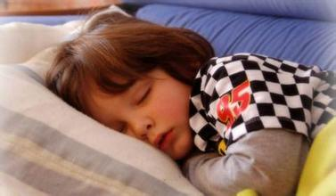 宝宝夜间睡觉易醒的原因是什么?可能是家长护理不当