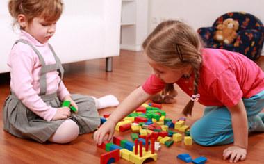 雾霾天不出门 家长在家怎样陪孩子玩?