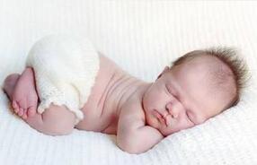 冬季出生不久的婴儿如何护理?