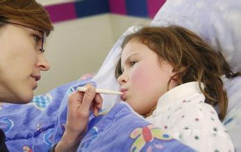 一测二看三听 医生教您区分小儿肺炎和小儿感冒
