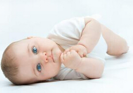 新生儿黄疸一直高怎么办?是否需要照蓝光