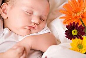 新生儿眼屎多是怎么回事?如何避免?