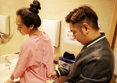 明星怀孕孕妇装_陈浩民晒孕照记录妻子怀孕时光 体贴帮她洗头剃毛 - 漂亮孕妈 ...
