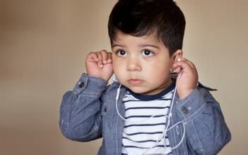 如何提高幼儿的英语听力?提高孩子英语听力的三个技巧