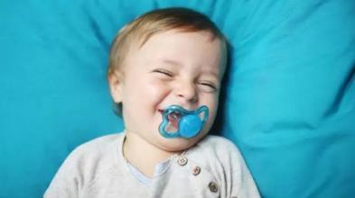 安抚奶嘴,到底能不能用?附安抚奶嘴使用攻略和戒除方法-1