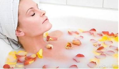 产后洗澡也能减肥?产后洗澡瘦身的好方法