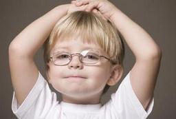 5-6岁孩子近视了怎么办?孩子近视眼能恢复正常吗