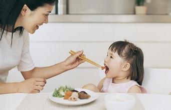 如何让宝宝快乐进餐?让孩子爱吃饭