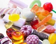 为什么小孩都喜欢吃糖?孩子吃糖应注意什么