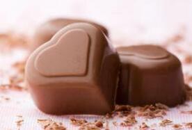 孩子喜欢吃巧克力怎么办?5-6岁孩子多吃巧克力好不好