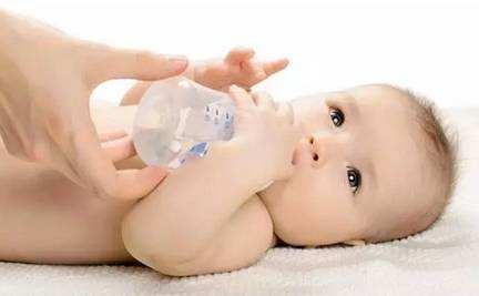 宝宝晚上睡眠很好,需要叫醒喂奶吗?