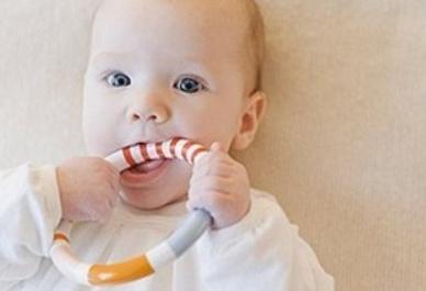 牙胶什么时候用最好?宝宝咬牙胶最佳时间