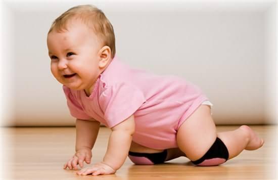 宝宝爬行姿势不对么办?怎样教宝宝爬行