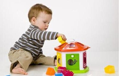 宝宝1岁3个月_宝宝1岁3个月发育指标_能力解析_宝宝15个月如何护理