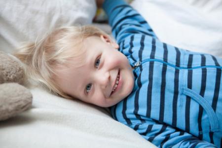 宝宝1岁半_宝宝1岁半发育指标_能力解析_宝宝1岁6个月如何护理