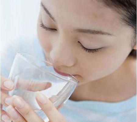 坐月子口渴是什么原因?坐月子口渴喝什么好