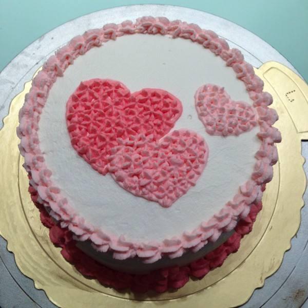 1岁宝宝能吃蛋糕吗?1岁多的婴儿吃奶油蛋糕好么