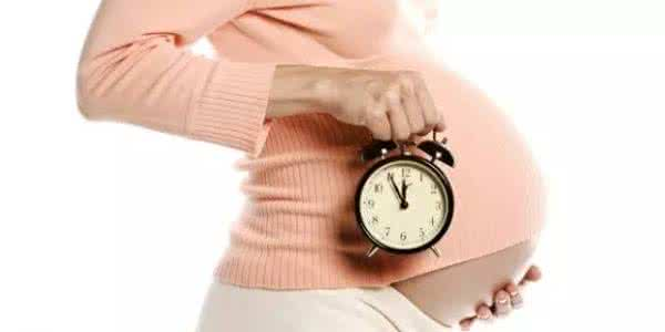 胎儿在准妈妈体内的14种小动作,你知道吗?