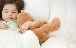 孩子缺乏安全感有哪些表现?孩子缺乏安全感应如何应对呢?