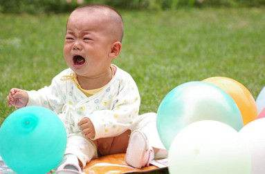 宝宝认生是什么原因?婴儿认生好还是不认好